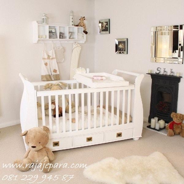 Tempat-Tidur-Bayi
