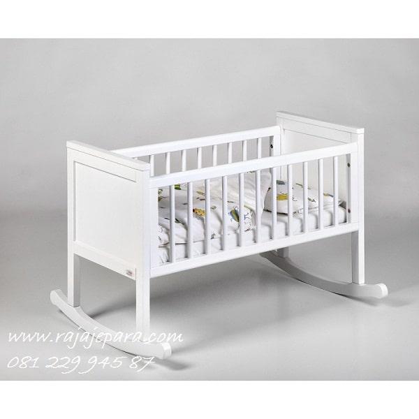 Tempat-Tidur-Ayunan-Bayi