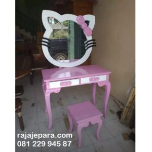 Meja-Rias-Hello-Kitty