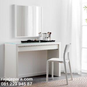 Meja rias simple minimalis dan elegan warna putih ukuran kecil model desain set kursi dan kaca cermin modern dan terbaru harga murah