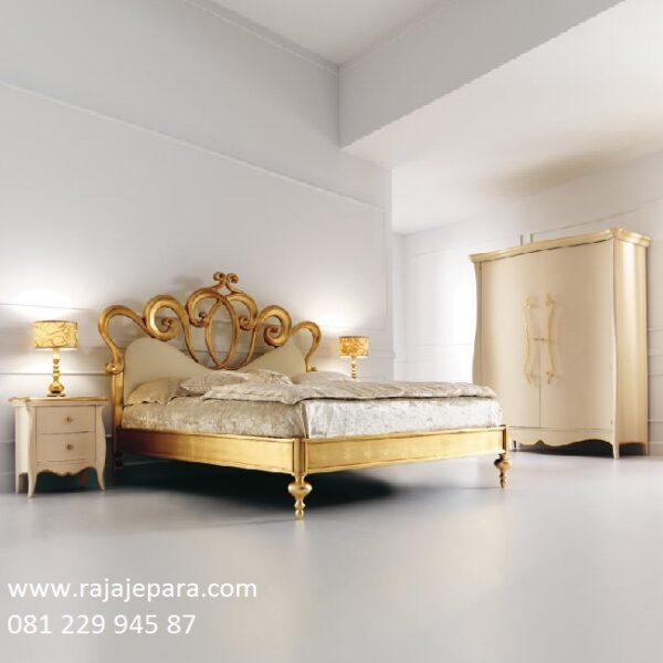 Set tempat tidur mewah kamar utama model desain minimalis modern dan klasik terbaru dari kayu jati dan mahoni Jepara cat duco emas harga murah