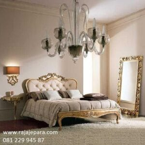 Tempat tidur mewah dan elegan model desain satu set kamar ukir-ukiran Jepara emas minimalis modern dan klasik terbaru jok busa harga murah
