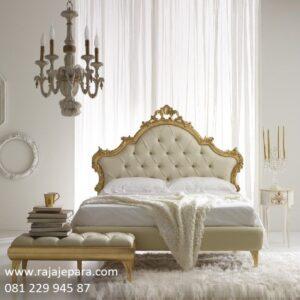 Harga tempat tidur klasik murah modern minimalis dan mewah terbaru dari kayu jati dan mahoni cat duco emas / gold ukir ukiran mawar Jepara