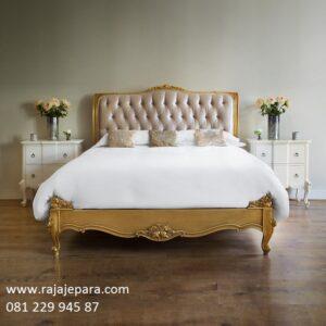 Tempat tidur klasik mewah harga murah ukir ukiran dengan jok busa model desain set kamar kayu jati dan mahoni Jepara modern terbaru