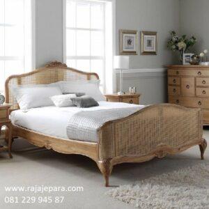 Tempat tidur klasik rotan alam anyaman model desain set kamar kayu jati ukir ukiran Jepara minimalis mewah dan modern kuno terbaru harga murah