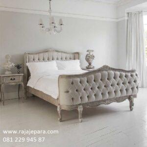 Tempat tidur klasik sederhana mewah modern dan minimalis vintage terbaru model desain set kamar ukir ukiran kayu mahoni Jepara harga murah