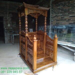 Harga mimbar masjid sederhana minimalis dari kayu jati Jepara model desain podium khutbah motif ukir-ukiran ukuran terbaru harga murah