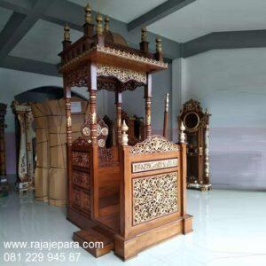Harga mimbar masjid minimalis sederhana kayu jati gambar motif ukir-ukiran Jepara model desain podium khutbah mewah dan modern murah