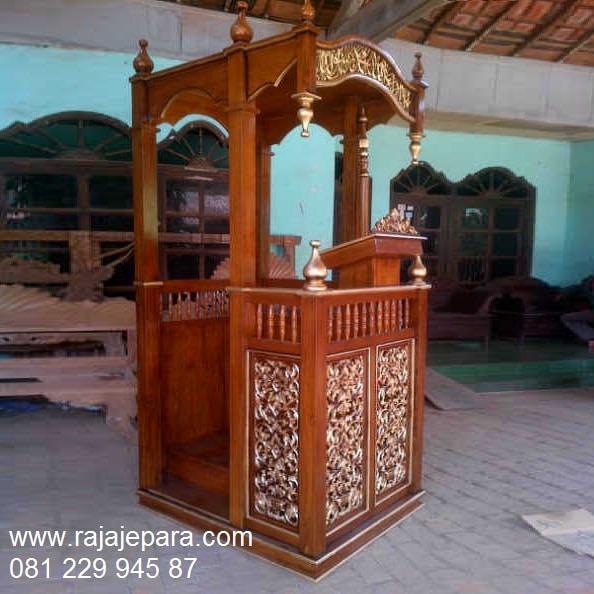 Mimbar masjid Bandung kayu jati motif gambar ukir-ukiran Jepara model desain podium khutbah minimalis modern dan sederhana harga murah