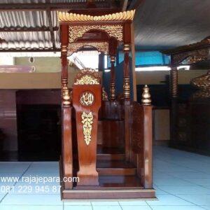 Mimbar masjid Jakarta kayu jati motif ukir-ukiran Jepara model desain podium minimalis mewah modern dan klasik sederhana terbaru harga murah