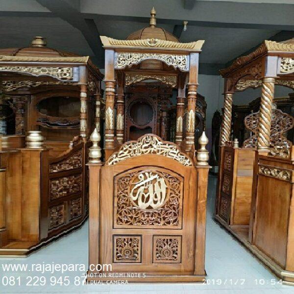 Mimbar-Masjid-Kaligrafi