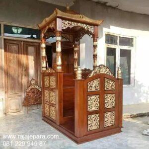 Mimbar masjid kayu jati Jepara ukir-ukiran model desain podium khutbah atap kubah Nabawi minimalis modern mewah dan sederhana harga murah