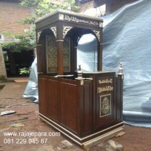 Mimbar masjid minimalis murah model desain podium khutbah kayu jati Jepara modern dan sederhana motif kaligrafi arab ukiran harga murah
