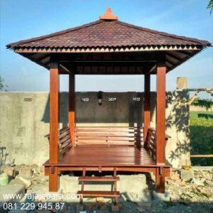 Model gazebo minimalis sederhana untuk taman dan kebun desain saung rumah dari kayu jati Jepara atap sirap kayu ulin ukuran 2x2 harga murah